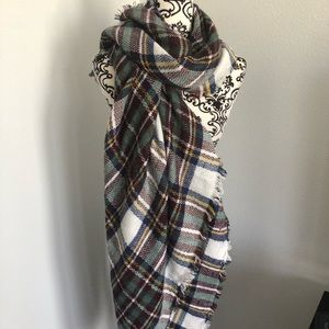 Accessories - Plaid Blanket Scarf